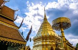 Goldener Buddisht-Tempel Stockfoto