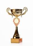 Goldener Cup des Siegers auf weißem Hintergrund Stockfoto