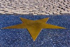Goldener einzelner Stern Lizenzfreie Stockbilder
