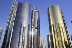 Goldener Farbenkontrollturm in Dubai Lizenzfreie Stockfotografie