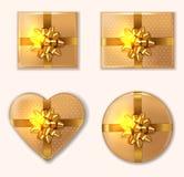 Goldener Geschenkboxsatz Vektor realistisch Produktplatzierungsspott oben Entwurf, der Illustrationen 3d verpackt vektor abbildung