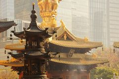 Goldener Jing An Temple Shanghai China Stockbilder