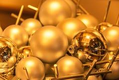 Goldener Kugelhintergrund Lizenzfreie Stockfotos
