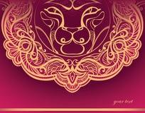 Goldener Löwe. Verzierte Mähne Lizenzfreie Stockfotos