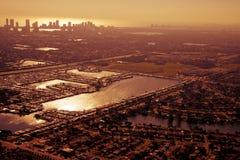 Luftaufnahme von Miami am goldenen Nachmittag Stockfotos