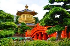 Goldener Pavillion Stockbild