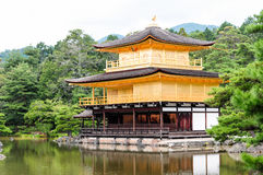 Goldener Pavillion in Kyoto stockfotos