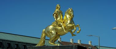 Goldener Reiter,金黄骑士, 8月骑马雕象强 免版税库存图片