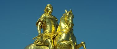 Goldener Reiter, cavaliere dorato, statua equestre di augusto il forte archivi video