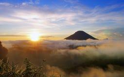 Goldener Sonnenaufgang Lizenzfreie Stockbilder