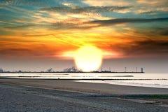 Goldener Sonnenuntergang lizenzfreie stockbilder