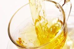 Goldener Tee stockbild