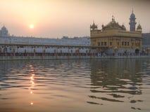Goldener Tempel bei 4 a M lizenzfreie stockbilder