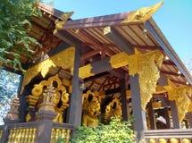 Goldener Tempel im Norden von Thailand Lizenzfreies Stockbild