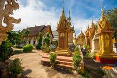 Goldener thailändischer Tempel-Boden stockfotografie