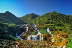 Goldener Wasserfall - berühmte Naturlandschaft von Jinguashi, Schuss herein in Ruifang-Bezirk, neue Taipeh-Stadt, Taiwan Stockbild
