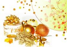 Goldener Weihnachtsaufbau Stockfotografie
