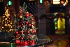 Goldener Weihnachtsbaum Stockfoto