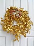 Goldener Weihnachtswreath Lizenzfreies Stockbild