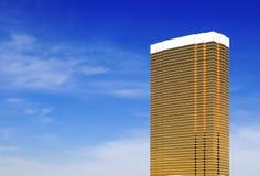 Goldener Wolkenkratzer Lizenzfreie Stockfotos