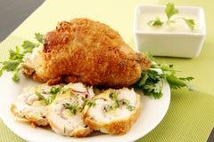 Goldenes angefülltes Huhn stockbilder