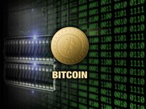 Goldenes bitcoin auf Server und digitalem Codehintergrund Stockbilder