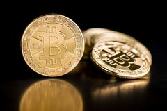 Goldenes Bitcoins Münze von cryptocurrency Stockfotos