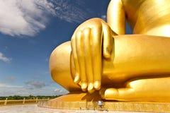Goldenes Buddha wat muang Thailandd Lizenzfreie Stockbilder