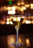 Goldenes Cocktail lizenzfreie stockfotografie