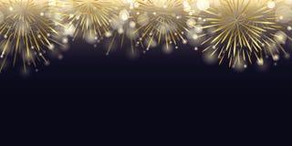 Goldenes Feuerwerk in der dunklen Nachtfeier stockbild