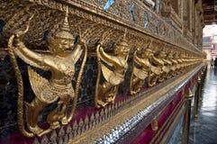 Goldenes Garuda bei Wat Phra Kaew Lizenzfreies Stockfoto