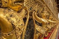 Goldenes garuda um Tempel in wat phra keaw Lizenzfreie Stockbilder