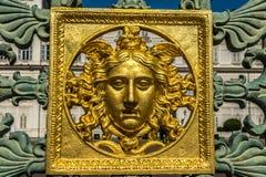 Goldenes Gesicht in königlichem quadratischem Torino Stockfoto
