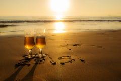 Goldenes Getränk Lizenzfreie Stockfotos