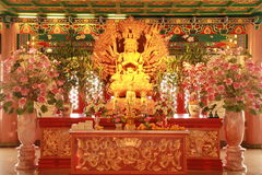 Goldenes Guan Yin Lizenzfreie Stockfotos