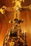 Goldenes Kreuz lizenzfreie stockbilder