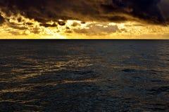 Goldenes Meer Stockfoto