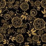 Goldenes nahtloses Spitzeblumenmuster Stockfotografie
