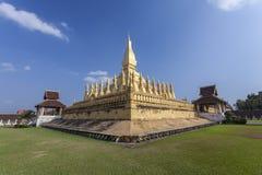 Goldenes pagada in Wat Pha-That Luang, Vientiane-Provinz, Laos Lizenzfreies Stockfoto