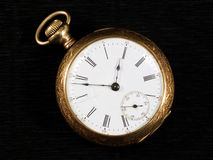 Goldenes pocketwatch Lizenzfreie Stockfotografie