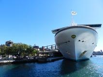 Goldenes Prinzessinkreuzfahrtschiff stockfotos