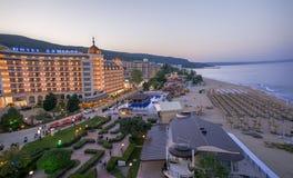 Goldenes Sand-Strandurlaubsort - Luftnachtansicht, Bulgarien lizenzfreie stockfotos