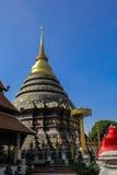 Goldenes stupa im lumpang Lizenzfreie Stockfotos