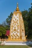 Goldenes stupa im Phrathadnongbua Tempel Lizenzfreies Stockbild