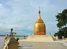 Goldenes stupa von BU Paya-Pagode Lizenzfreies Stockbild