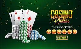 Goldenes Text Kasino online mit 3D Chip, Askarten auf funkelndem g Lizenzfreie Stockfotos