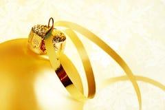 Goldenes Weihnachten lizenzfreie stockbilder