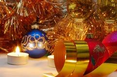 Goldfarbbänder ist- es Weihnachten Stockfotografie