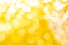 Goldfrühling oder Sommer, Weihnachtsfunkelnder Hintergrund Feiertag a Lizenzfreies Stockfoto