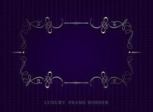 Goldkalligraphische Luxusrahmengrenze auf violettem Hintergrund Vect Lizenzfreie Stockfotografie